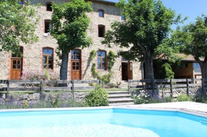 piscine de la maison d'hôtes en Ardèche