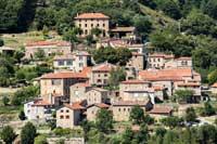 village ardechois dans les montagnes